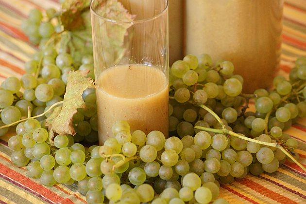 thermomix sok z białych winogron