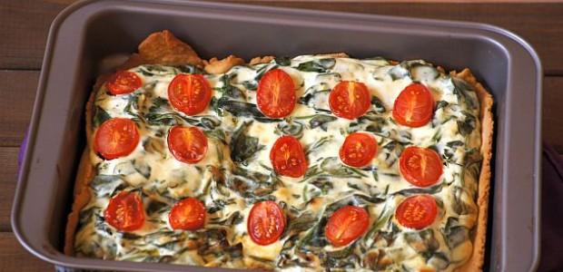 Tarta z ricottą, szpinakiem i pomidorkami