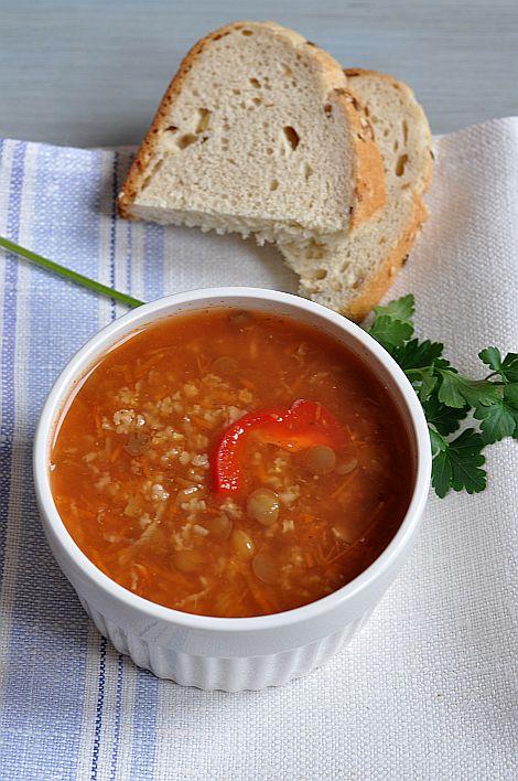 Thermomix przepisy. Zupa pomidorowa z soczewicą i kaszą jaglaną.