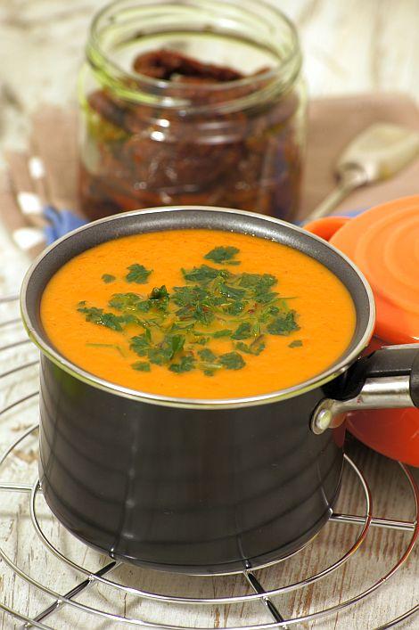 Thermomix przepisy. Zupa pomidorowa z suszonymi pomidorami.